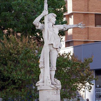 Monument a Rodrigo de Triana