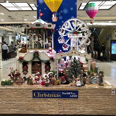 クリスマス商戦が始まっています。