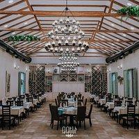 Elegant and specific hall of Tteni restaurant👌