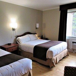 Notre chambre pour ce séjour en juillet 2019, 2e étage, sans balcon, 2 lits doubles