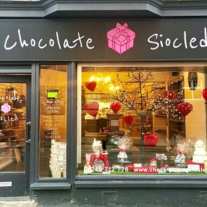 Out of this world celebration cakes, chocolate gifts and personalised goodies.  The place for Valentine's, Easter and Christmas gifts! Wedding favours, fudge, traditional sweets and more ...