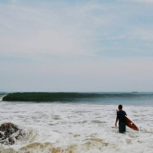 rfing in Varkala with drifters surf club