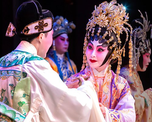 From performance Princess Changping(帝女花/2018) A well known Chinese opera which had reproduced into different films, TV dramas in the past century. The story unfolds Princess Changping and Zhou Shixian's tragic love story.