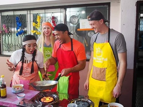 If you love thai food, let's come to be a part of our family. You will cook and learn in thai life style.