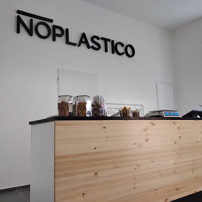 Welcome to NOPLASTICO - first zero waste store in the town
