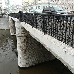 Чугунный мост,  декабрь