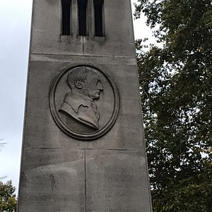 The obelisk and Dance's medallion inscription
