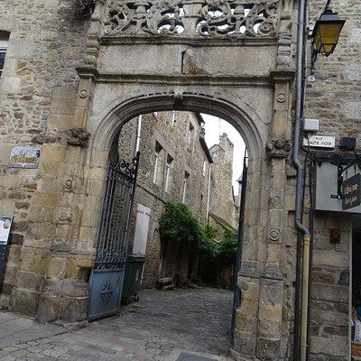 Le Portail Renaissance dit du Pélican