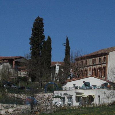 le Balcon des Étoiles, l'observatoire et la structure d'hébergement