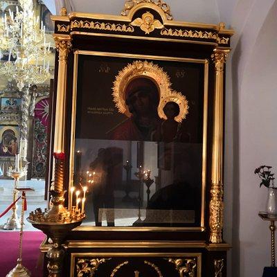 Одна из икон церкви