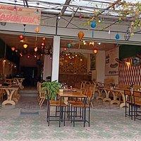 Ha Lan Homestay & Restaurant