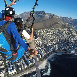 View of Table Mountain and Cape Town with The Tandem Flight Co