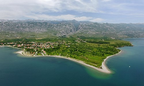 While you are enjoying the crystal clear sea, your glance may come to rest on the magnificent canyons of Velika and Mala Paklenica, deeply cut into the Velebit Mountain above you, and you may not realize that they are responsible for the surprising richness of the natural pebble beaches on the Paklenica Riviera.
