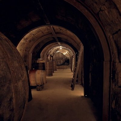 Our own winery is a new project that try to recover a wine heritage that we are loosing in Rioja. Enjoy a centennial winery and a cave with around 500 years old.