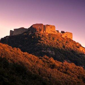 Le château de Termes au couchant, lumière hivernale, depuis le nord-ouest. En Aude Pays Cathare.