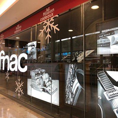 Façade de la FNAC - Paris Forum des Halles, côté Passage des Verrières du Westfield Forum des Halles