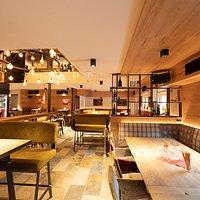 Restaurant Erdgeschoss mit Bar