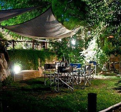 El parque de Río Arriba para disfrutar las noches de verano en Agua de Oro.