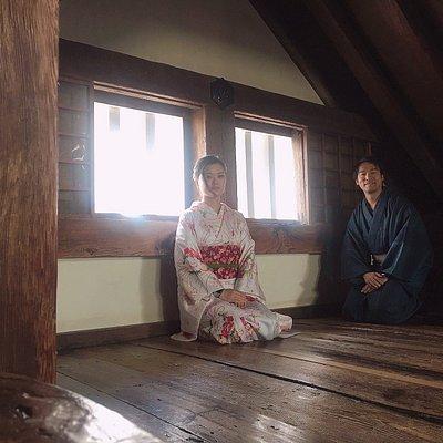 お客様は気軽に着物に着替えて姫路城の散策や好古園の散策に行きます。