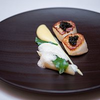 Seared Hand Dived Scottish Scallops with Salsify Purée, Champagne Sauce and Oscietra Caviar