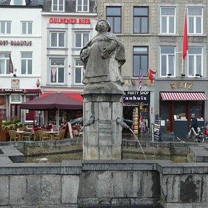 Statyn Mooswief i Maastricht