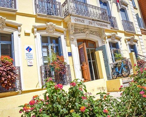 Façade de l'Office de Tourisme et du Thermalisme d'Amélie-les-Bains Palalda