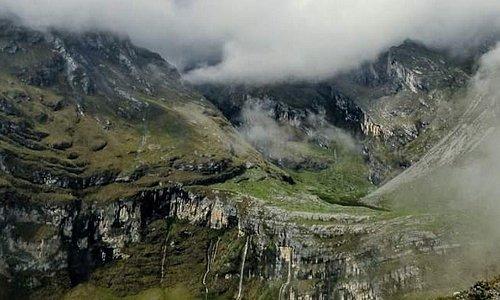 Cascadas naturales de Toro Facha , alturas de Circa , Prov Abancay, region Apurimac Peru