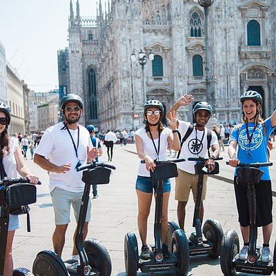 A photo opportunity in front of the Duomo before cruising through the crowds by Segway to the next stop...