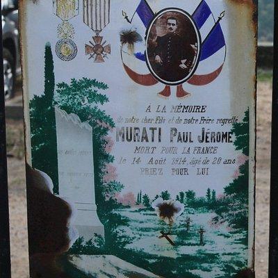 Cette loi de 1919 précisait l'esprit souhaité pour cette glorification, il s'agissait de mentionner les noms des combattants morts pour la France au cours de la guerre de 1914-1918.