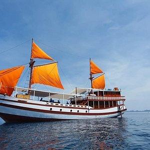 Carnaby private komodo boat tour