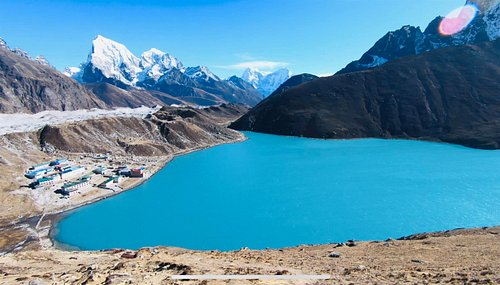 The stunning Gokyo lake - that colour is real (no filter)