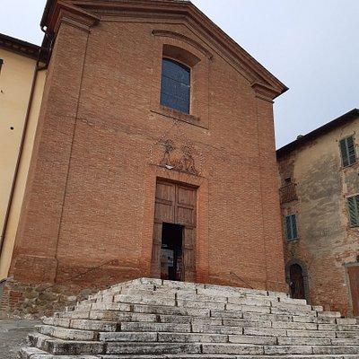 facciata e scalinata