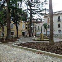 la piazza Nove Martiri