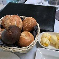 パン類とバター