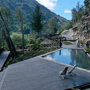 Tenemos más de 10 piscinas termales naturales de piedra