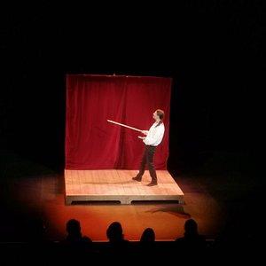 Quelques clichés du spectacle le Cid dépoussièré avec Thierry Moral au Rollmops théâtre lors du 13 décembre 2019.