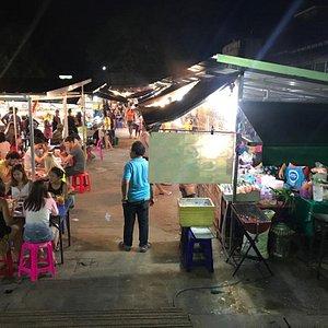 Plenty of choice of stalls, good atmosphere