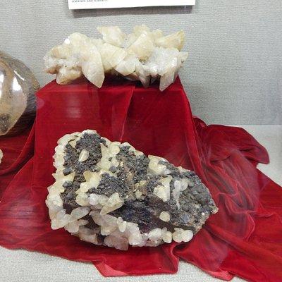 mineral exhibit 4