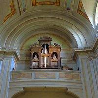 L'organo barocco nella cantoria della controfacciata