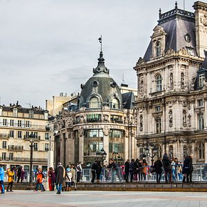 Le BHV Marais et l'Hotel de Ville de Paris