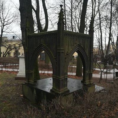 Тихвинское кладбище, Александро-Невская лавра, декабрь.