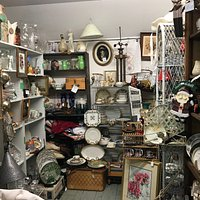 Upstairs room at Stumps Antiques