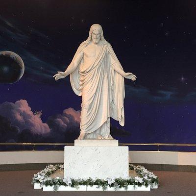 The massive stature of Christ