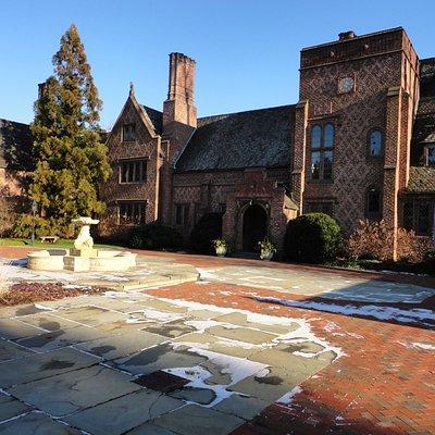 Aldie Mansion in December