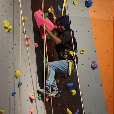 Tall Wall Climbing on Autobelay