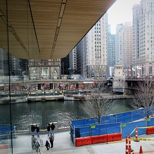 Chicago River: View from Pioneer Court