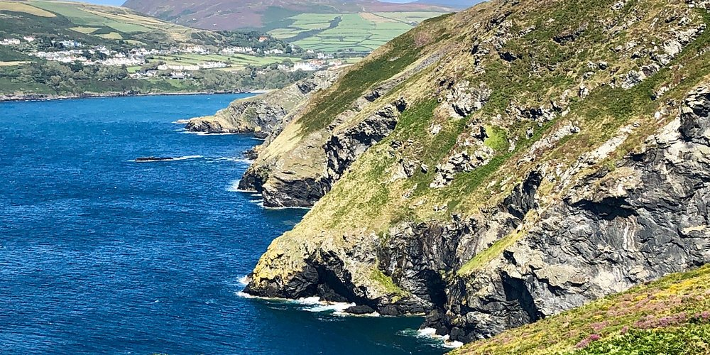 Coastal hike from Port Erin to the Calf of Man.