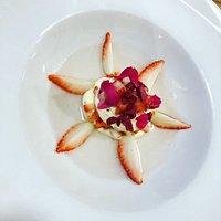 Fresas al vinagrillo - Mousse de chocolate blanco y frambuesa
