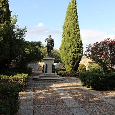 Monument Garcilaso de la Vega