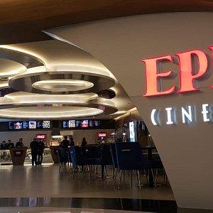 Nos encontramos en EPIC CINEMAS un cine de clase VIP, ubicado en el nivel 2 de Metropolitan Center. Epic Cinemas ofrece una nueva experiencia de entretenimiento, donde fusiona la máxima calidad culinaria a cargo de  Posh Sushi, Orson Burger y Panem hasta la comodidad de su butaca reclinable con cabecera móvil, donde podrá disfrutar su película con la más alta tecnología de imagen y sonido. Puedes comprar tus boletos en línea en www.epiccinemas.mx El sabor del cine